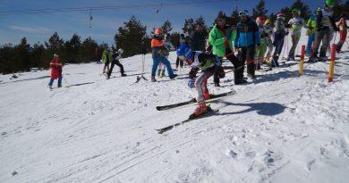 (Видео)Ски-център Осогово отново приюти участниците в Олимпийския фестивал по ски алпийски дисциплини