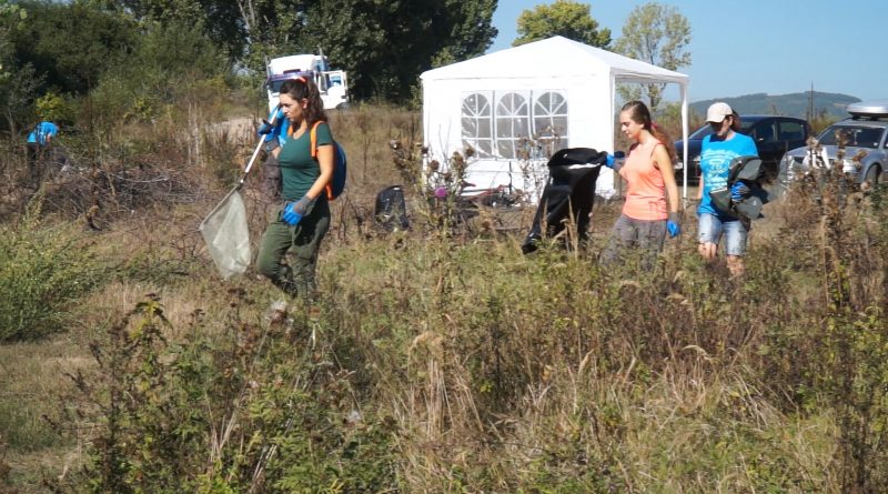 (Видео)Десетки се включиха в голямото почистване на река Струма